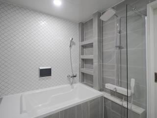 Bathroom by 디자인 아버