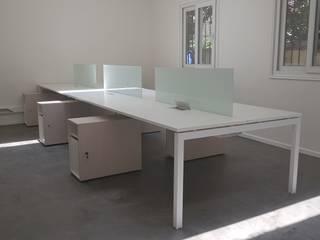 Muebles de oficina por SIMPLEMENTE AMBIENTE:  de estilo  por SIMPLEMENTE AMBIENTE mobiliarios