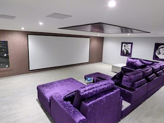 IMMERSIVE 360 CINEMA Home Cinema por Projection Dreams / CUSTOM CINEMA 360 LDA Minimalista