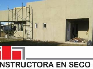 Vivienda moderna 110 m2 integramente en steel frame. de Constructora en seco Carreras y asociados Srl. Moderno