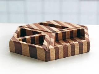 Recipiente hexagonal de madera sólida :  de estilo  por Kosmic