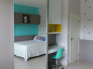 Rita Corrassa - design de interiores Nursery/kid's roomWardrobes & closets