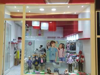 미니멀리스트 스타일 쇼핑 센터 by Faerman Stands y Asoc S.R.L. - Arquitectos - Rosario 미니멀