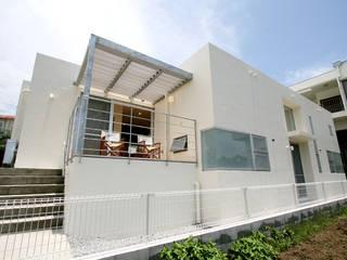 1.5層分のボリュームを持つ背面…: Arms DESIGNが手掛けた一戸建て住宅です。