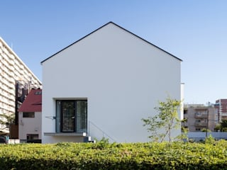 坪庭のある三角屋根の家 OUCHI-32 ミニマルな 家 の 石川淳建築設計事務所 ミニマル
