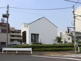 坪庭のある三角屋根の家 OUCHI-32 の 石川淳建築設計事務所 ミニマル