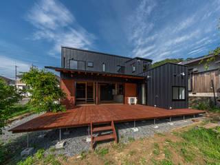 Rumah kayu oleh 建築工房 at ease