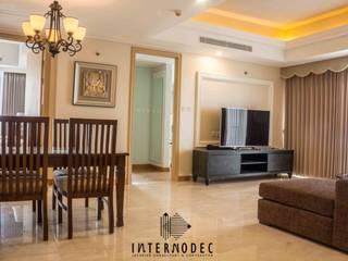Classic & Luxurious Apartment Mrs. CS Ruang Makan Klasik Oleh Internodec Klasik