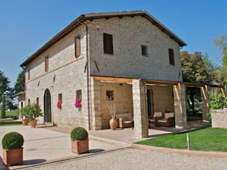 Rustic style houses by GIAN MARCO CANNAVICCI ARCHITETTO Rustic