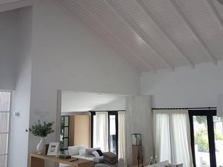 Rustikale Wohnzimmer von ESTRUCTURAS DE MADERAS RIGÓN en Málaga Rustikal