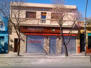 Faerman Stands y Asoc S.R.L. - Arquitectos - Rosario의 촌사람 같은 , 러스틱 (Rustic)
