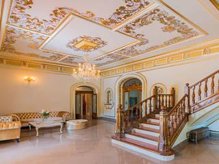 Reforma integral de una casa antigua Salones de estilo colonial de LCC, Licitaciones y Contrataciones de Construcción Colonial