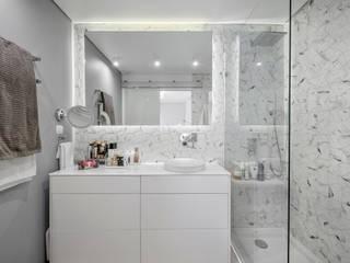 Modern bathroom by ARQ1to1 - Arquitectura, Interiores e Decoração Modern