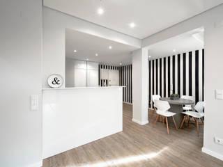 Small kitchens by ARQ1to1 - Arquitectura, Interiores e Decoração,