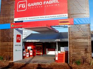 인더스트리얼 스타일 전시장 by Faerman Stands y Asoc S.R.L. - Arquitectos - Rosario 인더스트리얼