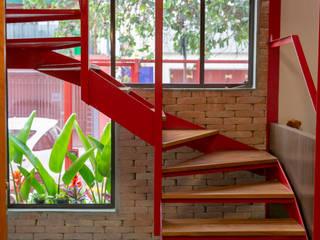 C2HA Arquitetos Stairs Iron/Steel