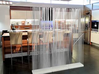 Sichtschutz Küche Esszimmer Trennwand transparent:   von www.skydesign.news - Raumteiler aus Berlin