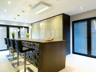 Mr & Mrs Sands by Diane Berry Kitchens 모던