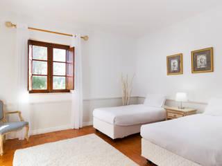 Pedro Brás - Fotógrafo de Interiores e Arquitectura | Hotelaria | Alojamento Local | Imobiliárias Mediterranean style bedroom White