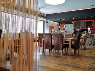 Bambus Sichtschutz Matte oder Fiberglas Sticks Raumteiler?:   von www.skydesign.news - Raumteiler aus Berlin