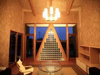Гостиная в стиле модерн от 株式会社高野設計工房 Модерн