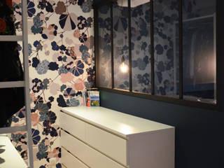 Modern dressing room by AL Intérieurs Modern
