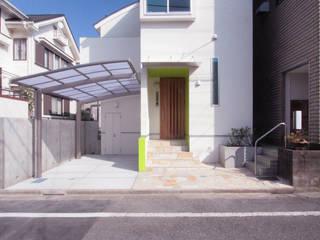 西荻の家(アーチ屋根と自然素材による木造住宅): 中川龍吾建築設計事務所が手掛けた一戸建て住宅です。