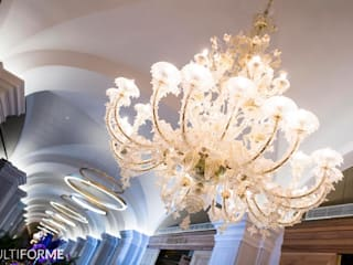 Corridor with chandeliers and vaulted ceiling Hotel Klasik Oleh MULTIFORME® lighting Klasik