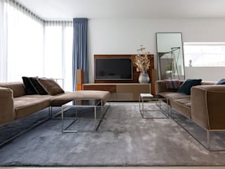 Modern living room by Regina Dijkstra Design Modern