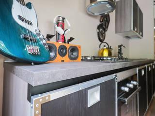 cucina case music: Cucina in stile  di nuovimondi di Flli Unia snc