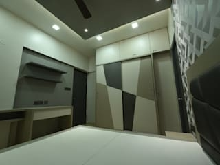 Mr and Mrs Menon home:  Bedroom by Golden Spiral Productionz (p) ltd