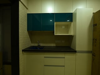 Mr and Mrs Menon home:  Kitchen by Golden Spiral Productionz (p) ltd