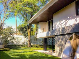Casa Fresno (Jardín): Jardines de estilo  por Árbol Arquitectura,