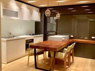 Kitchen by 捷士空間設計(省錢裝潢)