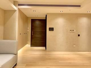 Corridor & hallway by 捷士空間設計(省錢裝潢)