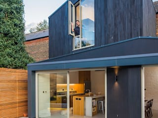 Black Ridge House Modern houses by Neil Dusheiko Architects Modern