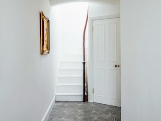 De Beauvoir House Modern corridor, hallway & stairs by Neil Dusheiko Architects Modern