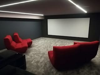 Projection Dreams / CUSTOM CINEMA 360 LDA Electronics MDF Red