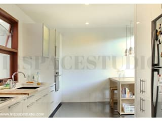 Dapur dalam :  Dapur by Inspace Studio