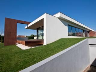 Modern houses by Melo & Filhos Carpintaria Modern