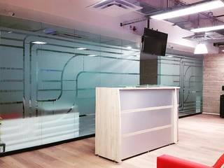 Oficinas Seppelec México: Estudios y oficinas de estilo  por 2M arquitectos