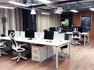Oficinas Corporativas Seppelec México: Estudios y oficinas de estilo  por 2M arquitectos