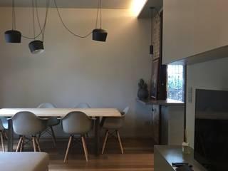 Appartamento a Riccione : Soggiorno in stile  di cristina zanni designer