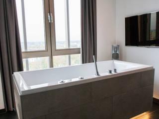 Ergonomisch bad:  Badkamer door Cleopatra BV