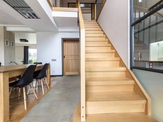 Загородный дом в стиле Loft от Studio architecture and design LAD.Студия архитектуры и дизайна ЛАД . Лофт