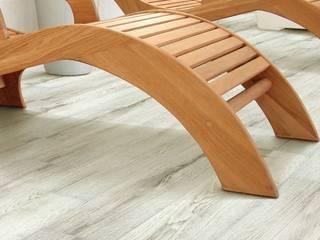 Pavimento finto legno in terrazza: Terrazza in stile  di pavimento finto legno