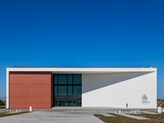 PCI - Creative Science Park (Universidade de Aveiro): Escolas  por Alessandro Guimaraes Photography,Moderno