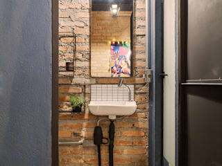 Alessandro Guimaraes Photography Industrial style bathroom