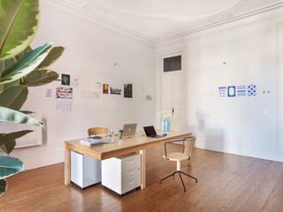 Prédio Marquês - Histórias de Casa Espaços de trabalho minimalistas por Alessandro Guimaraes Photography Minimalista
