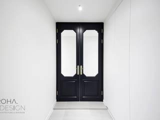 Portas secundárias  por 로하디자인, Moderno